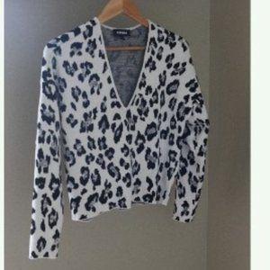 Express Deep V Neck Leopard Print Sweater Cropped